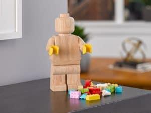 figurine en bois lego 853967