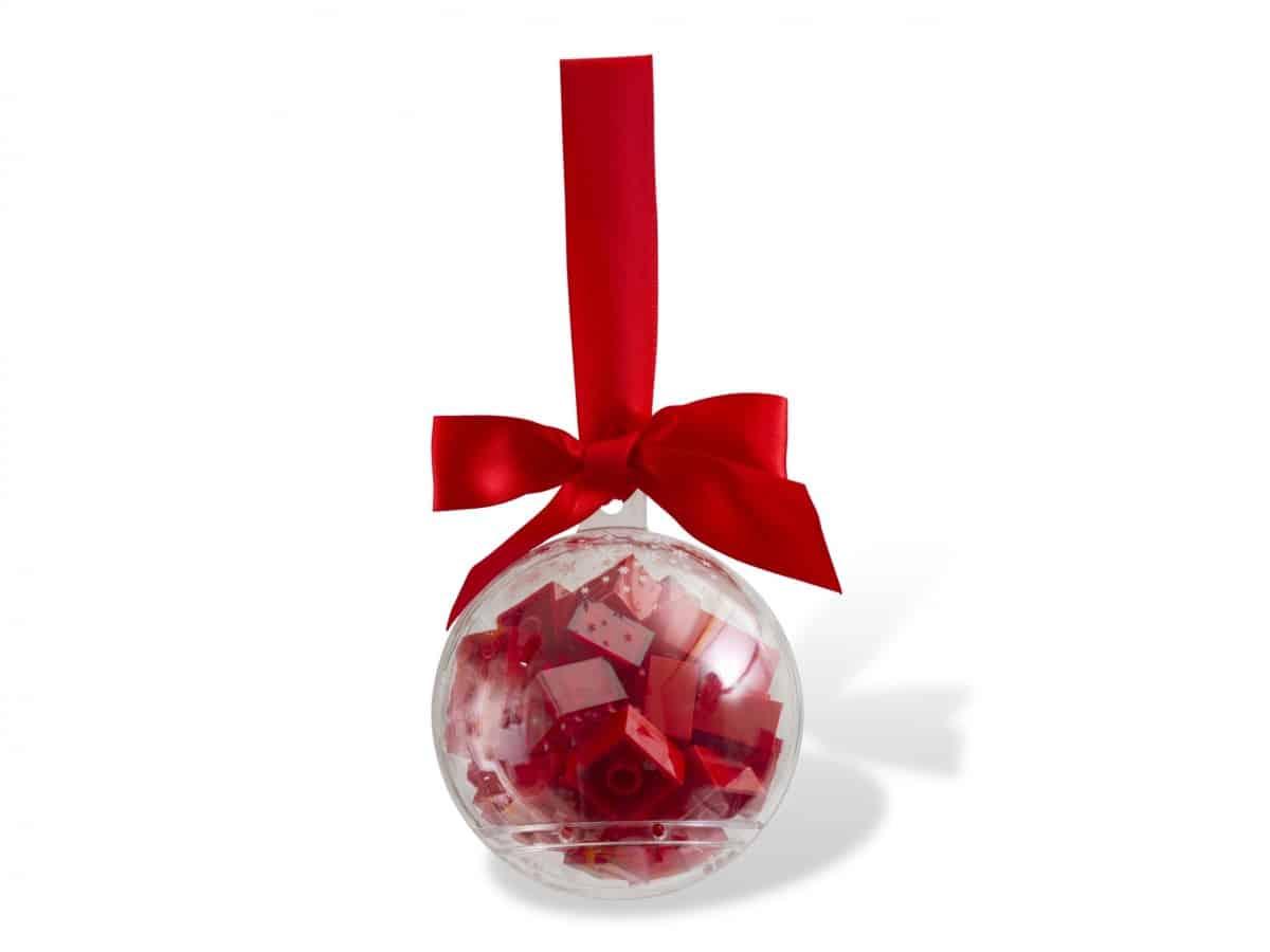 lego 853344 decoration de noel avec briques rouges scaled