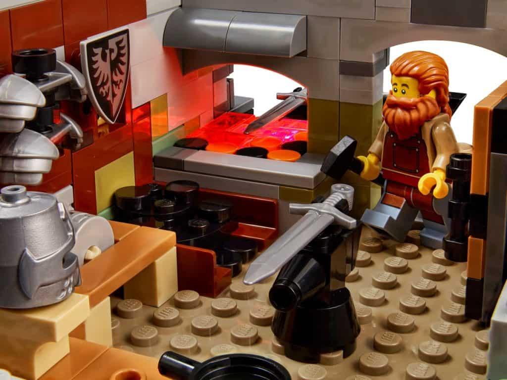 LEGO 21325 Le forgeron médiéval - 2